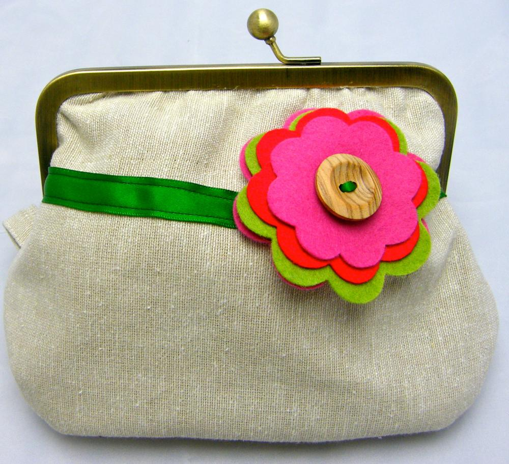 Linen Fabby Purse - Flower with Wooden Button
